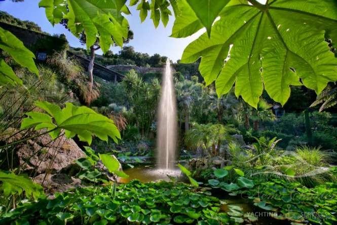 Visitare giardini e centri temali a Ischia è quasi d'obbligo per la loro bellezza