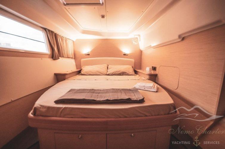 cabina matrimoniale Catamarano NemoTachting Charter